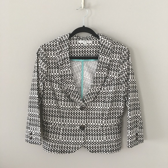 CAbi Jackets & Blazers - CAbi Fitted Blazer with Rouching